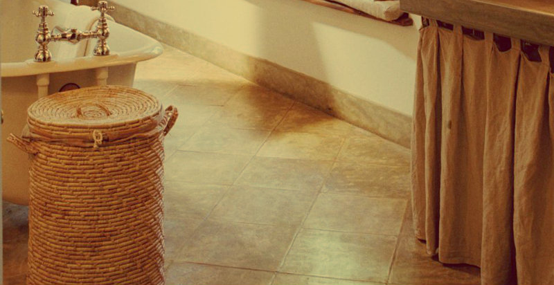 How to remove hard water stains from bathroom floors - Bathroom cleaner for hard water stains ...