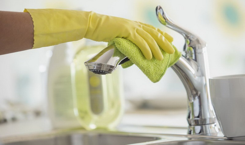 Ways to Clean Limescale Off Taps